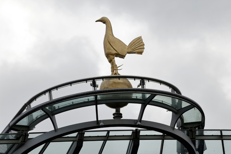 Spurs 'gloss over' incident after online mockery from paint supplier